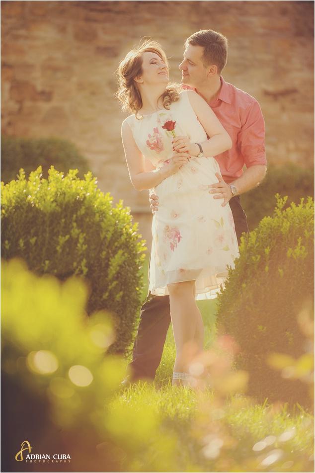 Sesiune foto logodna realizata de fotograf nunta Iasi Adrian Cuba, 004
