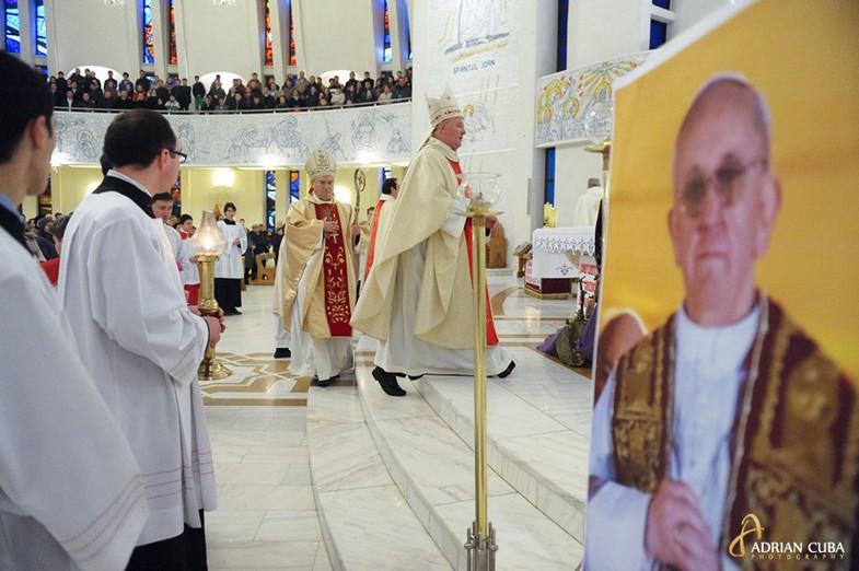 "fotografie in catedrala romano-catolica ""Sfanta Fecioara Maria, Regina"" din Iasi"