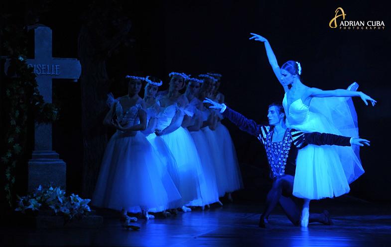 fotografie de spectacol, baletul Giselle, pe scena Operei Romane din Iasi