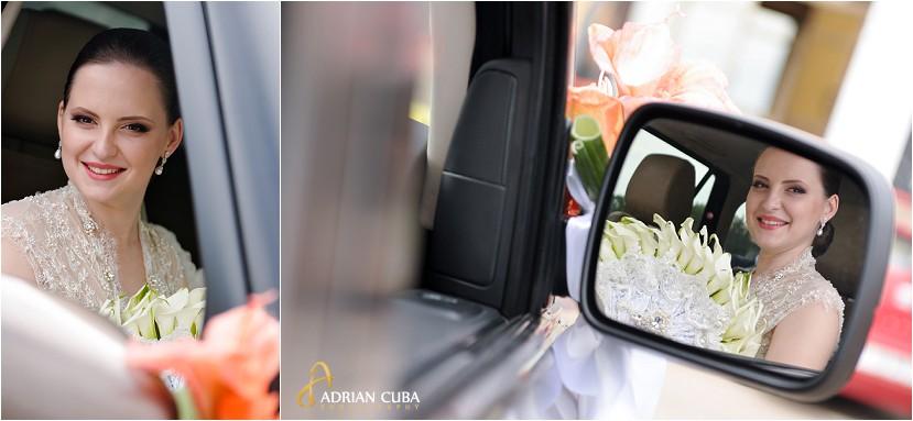 fotografie nunta Iasi, portret mireasa in masina