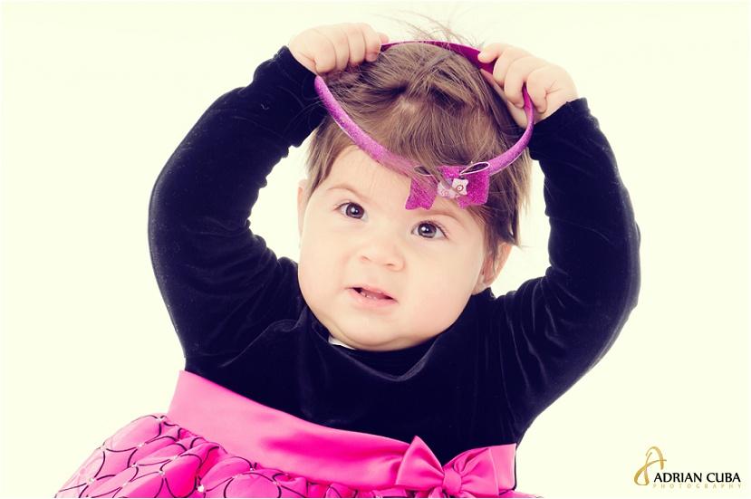 sedinta foto copii in studio, fetita la fotografiat
