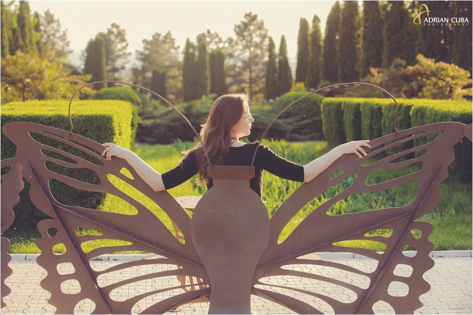 Sedinta foto logodna in Gradina Botanica din Iasi, realizata de fotograf Adrian Cuba, cu Iudita si Sergiu, 07