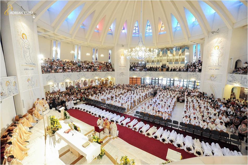 Slujba de hirotonire la Catedrala catolica Iasi, 2014
