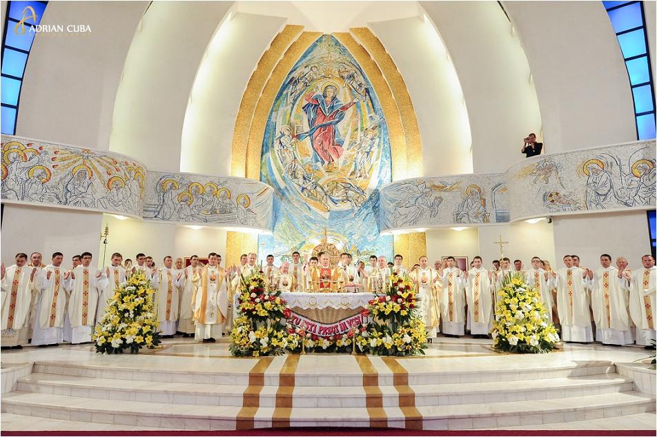 29 diaconi sunt hirotoniti preoti la Catedrala catolica Iasi, 2014