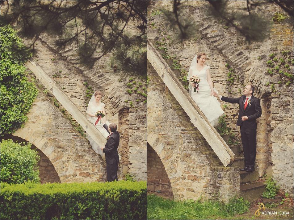 Mire si mireasa cu buchet la sesiune foto nunta Iasi.