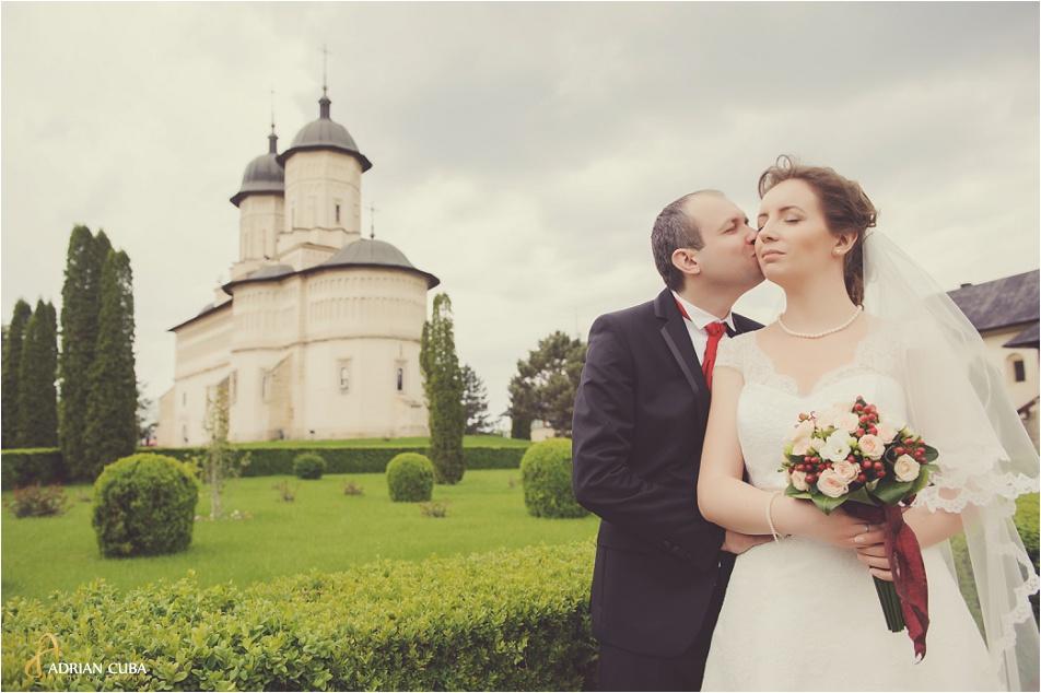 Miri la sesiune foto nunta manastirea Cetatuia Iasi.
