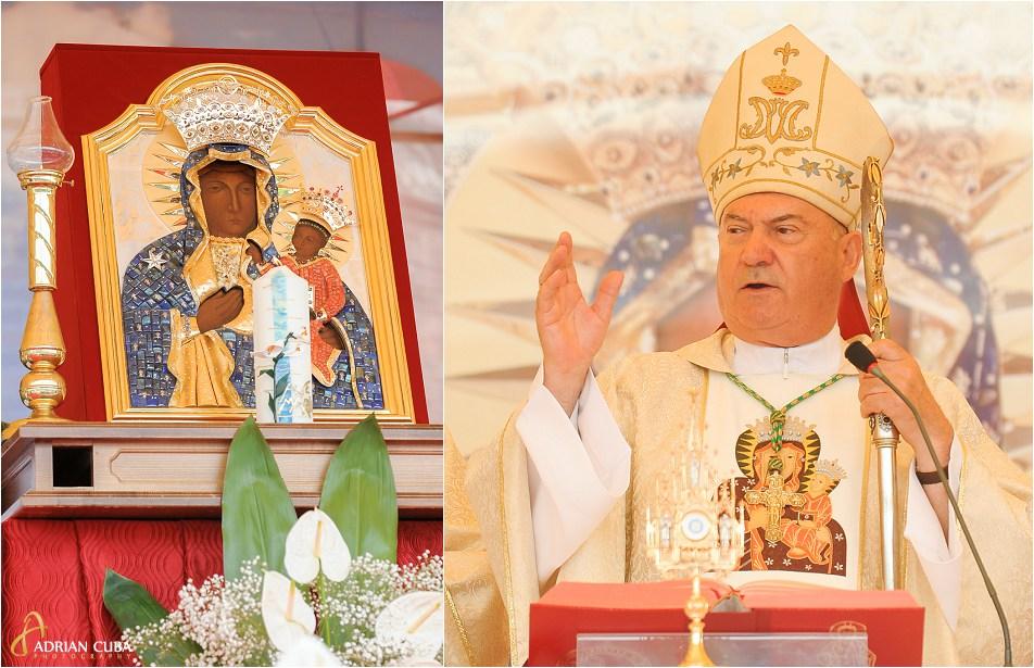 PS Petru Gherghel binecuvanteaza icoana Maicii Domnului de la Cacica.