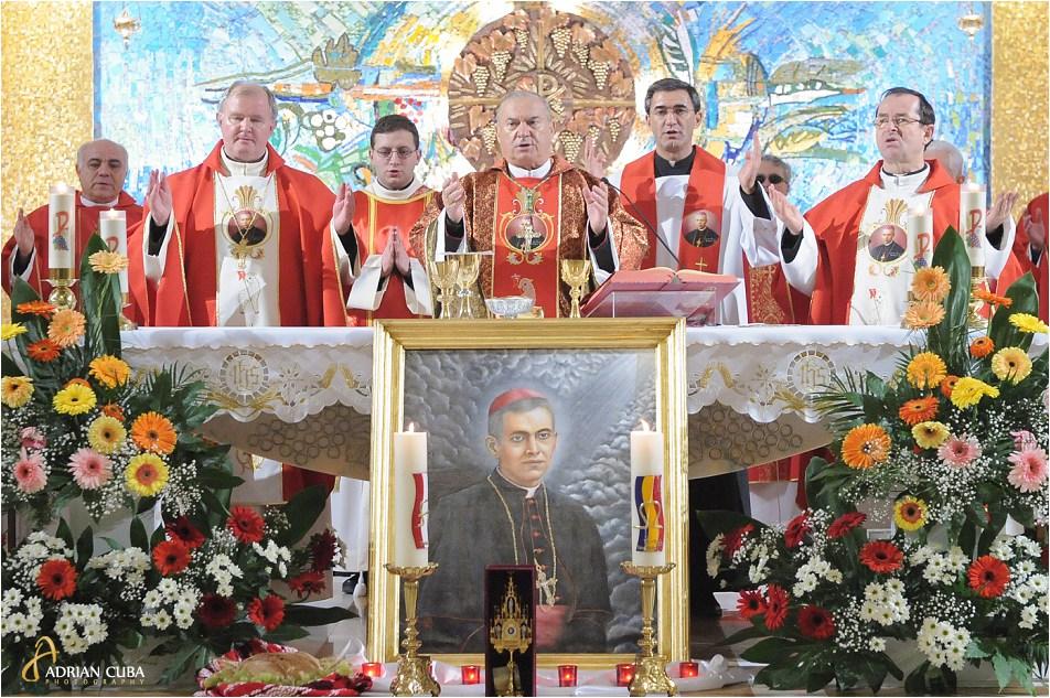 PS Petru Gherghel si Ps Aurel Perca participa la prima celebrare a Fericitului Anton Durcovici.