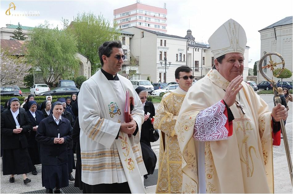 Cardinalul brazilian João Braz de Aviz la catedrala catolica din iasi