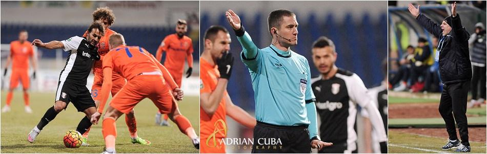Antrenorul Marius Sumudica si arbitrul Adrian Viorel Cojocaru gesticuleaza in cadrul meciului de fotbal dintre FC Botosani si Astra Giurgiu.